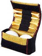 畳の縁で加工された、阪神タイガース ゴルフボールケース
